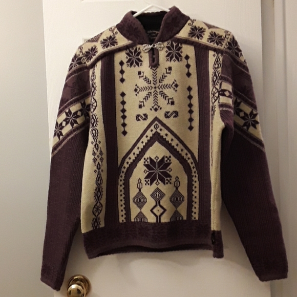 Obermeyer sweater M